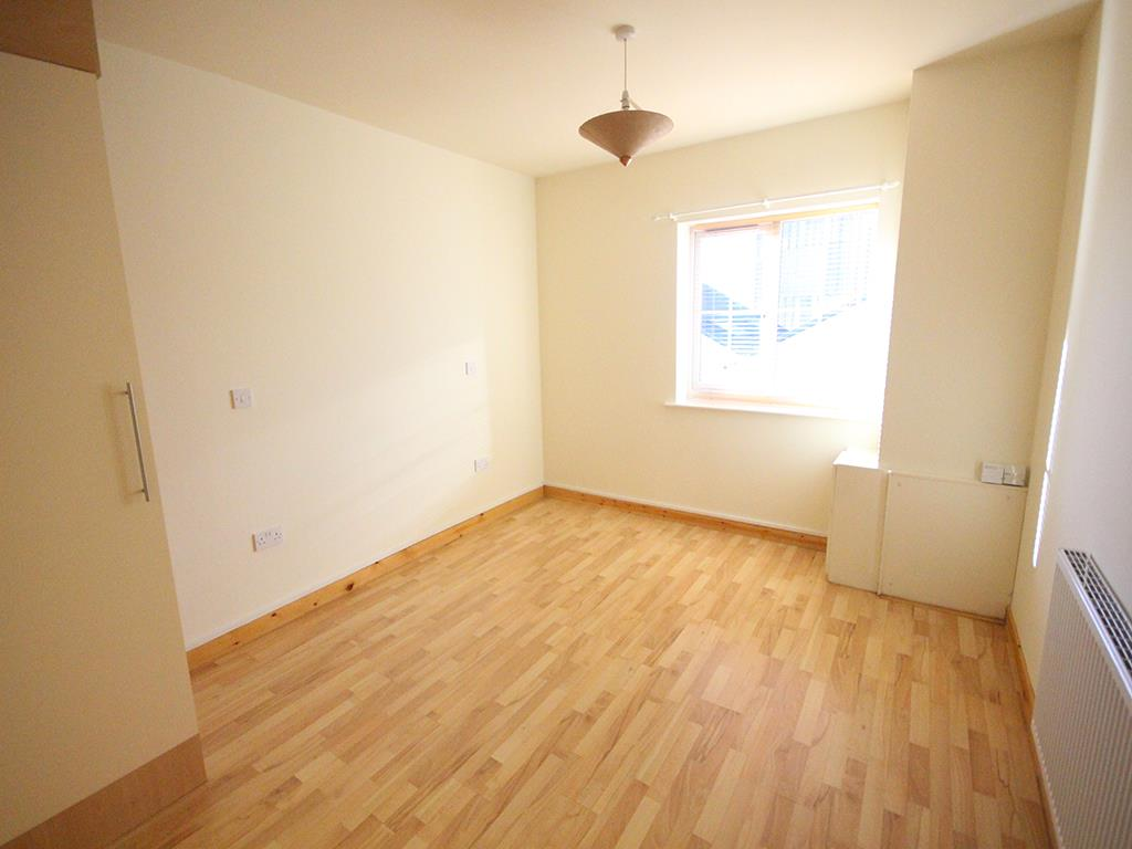 2 bedroom apartment For Sale in Colne - IMG_1345.jpg